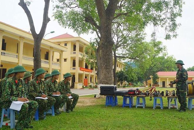 Mục kích lính công binh huấn luyện chống khủng bố - Ảnh 14.