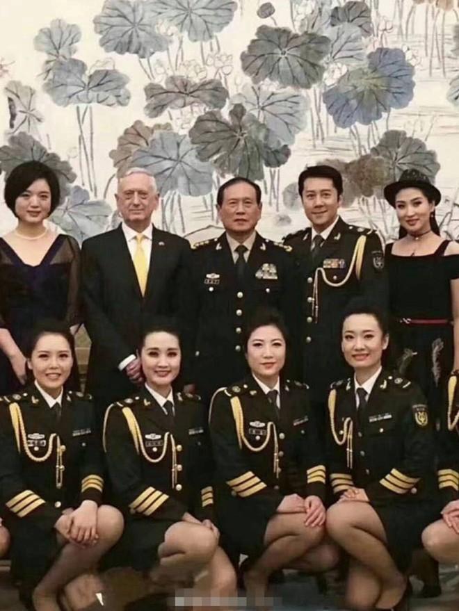 Trung Quốc bị chỉ trích làm mất hình tượng quân đội trong lễ đón tiếp Bộ trưởng Mỹ - Ảnh 1.