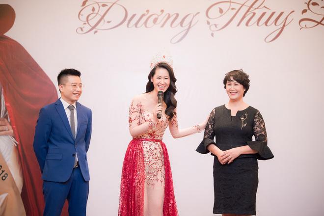 Dương Thuỳ Linh lộng lẫy xuất hiện sau khi đoạt giải Hoa hậu Phụ nữ toàn thế giới - Ảnh 8.