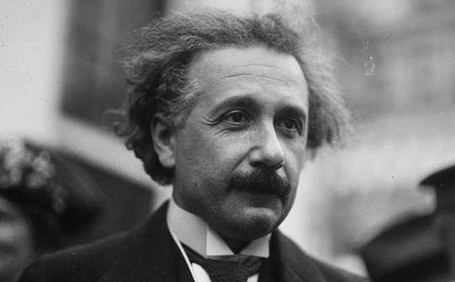 Sự thật thú vị: Những ý tưởng kiệt xuất của nhà vật lý thiên tài Albert Einstein xuất hiện trong lúc ông... rảnh rỗi nhất