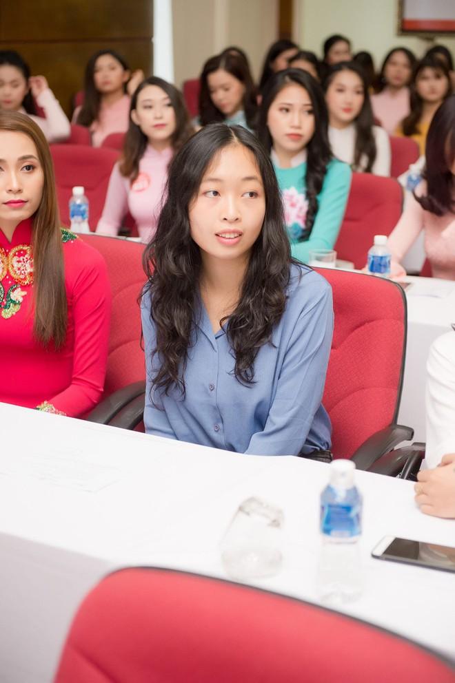 Nữ du học sinh Việt là thạc sĩ tại Pháp, tiến sĩ Vật lý lượng tử tại Ý dự thi Hoa hậu Việt Nam 2018 - Ảnh 1.