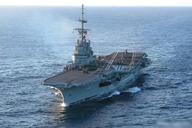 Hình ảnh tàu sân bay duy nhất của hải quân Brazil và châu Mỹ Latin - Ảnh 1.