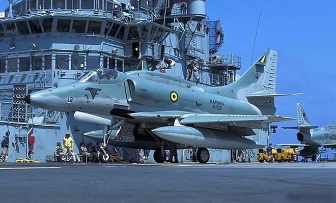 Hình ảnh tàu sân bay duy nhất của hải quân Brazil và châu Mỹ Latin - Ảnh 5.