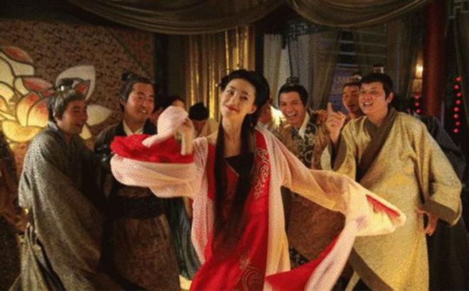 Cuộc sống của các kỹ nữ thời xưa: Không chỉ dừng lại ở việc thỏa mãn khách làng chơi!