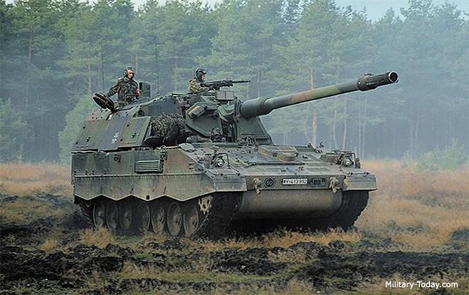 """Soi sức mạnh đáng gờm của """"hoàng đế pháo binh"""" PzH-2000 - Ảnh 1."""