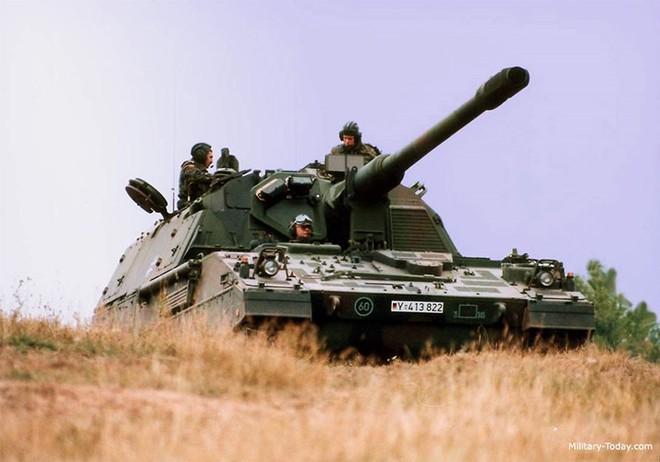 """Soi sức mạnh đáng gờm của """"hoàng đế pháo binh"""" PzH-2000 - Ảnh 2."""