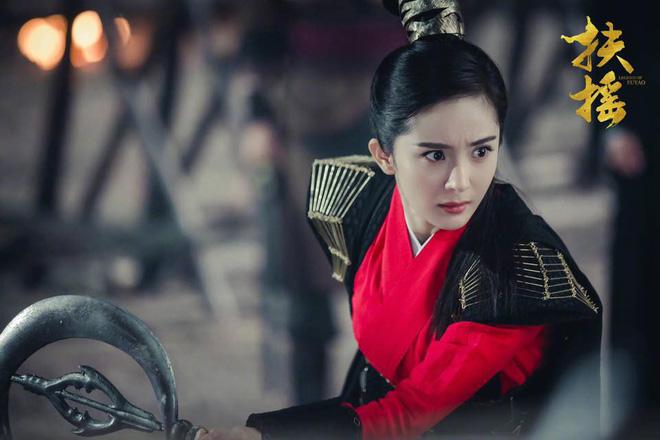So sánh 5 cô bạn gái của Phùng Thiệu Phong: Người bị chê EQ thấp, kẻ lộ ảnh nóng thuở chập chững vào nghề - Ảnh 17.