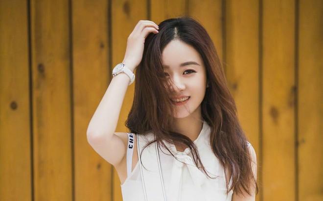 So sánh 5 cô bạn gái của Phùng Thiệu Phong: Người bị chê EQ thấp, kẻ lộ ảnh nóng thuở chập chững vào nghề - Ảnh 3.