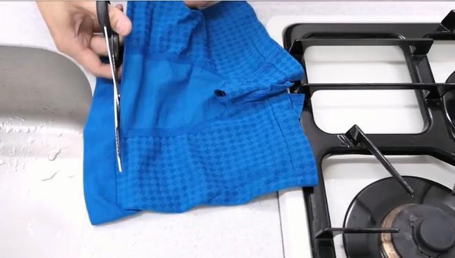 Biến quần đùi thành dao làm bếp sắc không kém dao inox, anh chàng khiến dân tình bái phục - Ảnh 2.