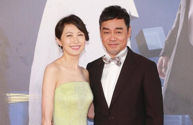 Quách Ái Minh: Hoa hậu xấu nhất Hồng Kông và cuộc hôn nhân 25 năm không con cái vẫn được chồng cưng chiều như nữ hoàng - Ảnh 12.