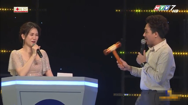 Bị Trấn Thành chê, người chơi đập nát chiếc bàn gỗ ngay trên sân khấu - Ảnh 5.