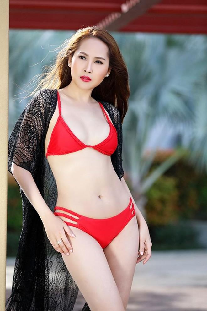 Gái nhảy Minh Thư tái xuất khoe body nóng bỏng với bikini   - Ảnh 2.