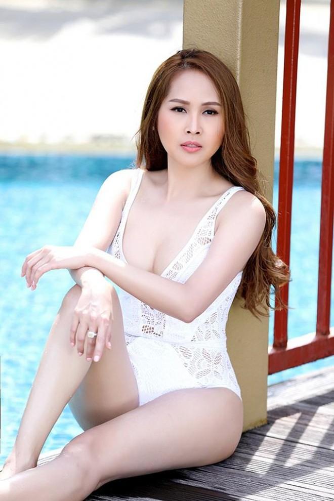 Gái nhảy Minh Thư tái xuất khoe body nóng bỏng với bikini   - Ảnh 4.
