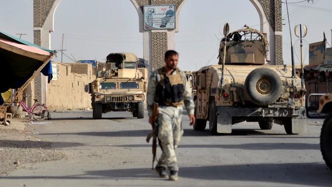 Mỹ choáng váng với lối đánh du kích của Taliban: Afghanistan có thể thất thủ trong 1 tuần - Ảnh 1.