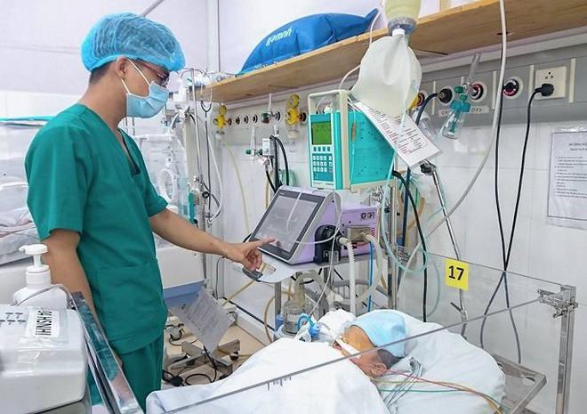 Bé trai 1 ngày tuổi ngưng tim, ngưng thở đột ngột vì căn bệnh di truyền quái ác - Ảnh 1.