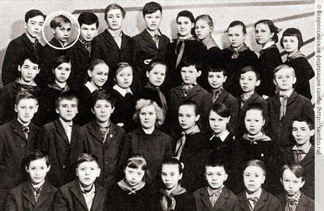 Giáo viên cũ tiết lộ tính cách tinh nghịch, hiếu động từng khiến TT Putin xơi ngỗng - Ảnh 5.