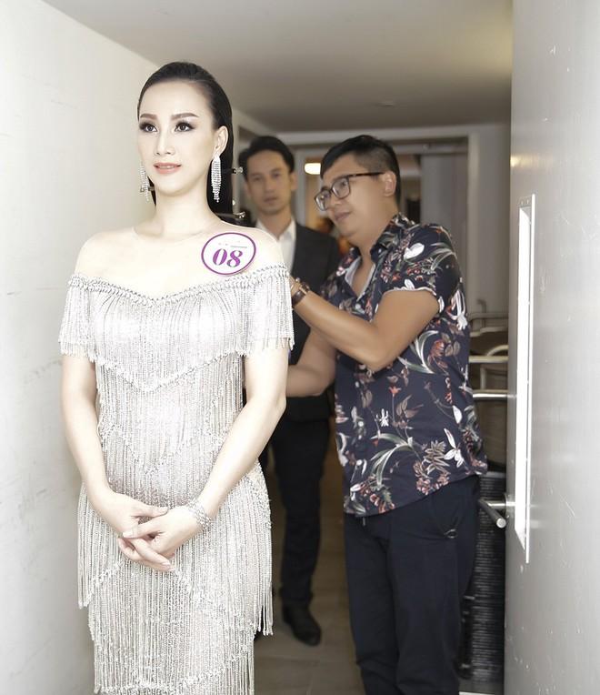 Giáng My, Nguyên Vũ trao vương miện cho cựu người mẫu 20 năm rời xa showbiz - Ảnh 3.