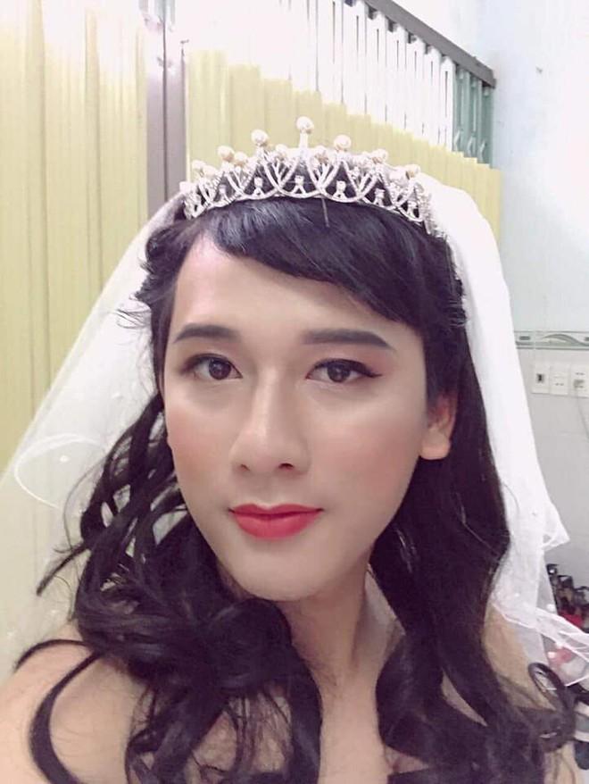 Không có tiền mời mẫu make up, cô gái hô biến chồng thành hot girl xinh đẹp - Ảnh 2.