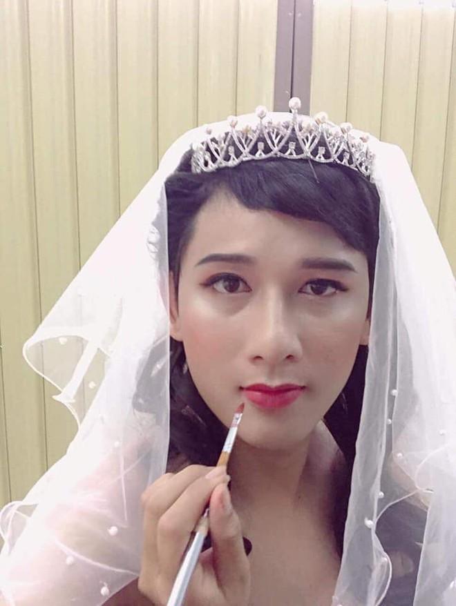 Không có tiền mời mẫu make up, cô gái hô biến chồng thành hot girl xinh đẹp - Ảnh 4.