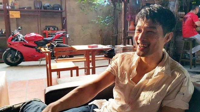 Johnny Trí Nguyễn lại xuất hiện gầy gò, xuống sắc sau nhiều năm rời xa điện ảnh - Ảnh 9.