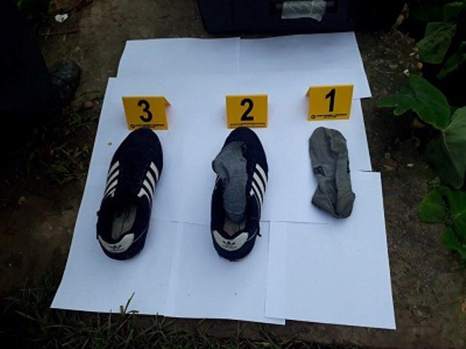 [NÓNG] Công an tìm thấy giày, tất của kẻ sát hại 2 vợ chồng ở Hưng Yên gần hiện trường - Ảnh 2.