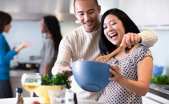 Hôn nhân rơi vào bế tắc chỉ vì chồng quá lười, vợ hãy làm những điều này để thay đổi toàn cục