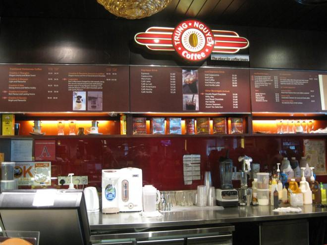 Những quán cà phê nổi bật nhất của Trung Nguyên ở Singapore - Ảnh 1.
