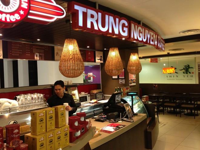 Những quán cà phê nổi bật nhất của Trung Nguyên ở Singapore - Ảnh 2.