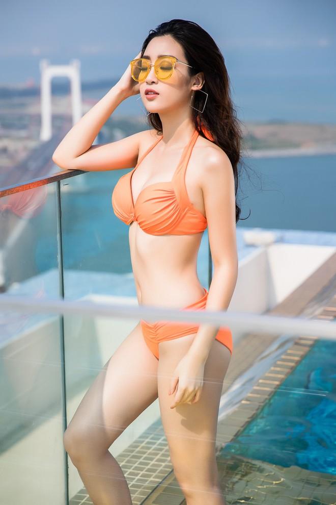 Ảnh bikini nóng bỏng của Hoa hậu Đỗ Mỹ Linh và 2 nàng Á hậu - Ảnh 7.