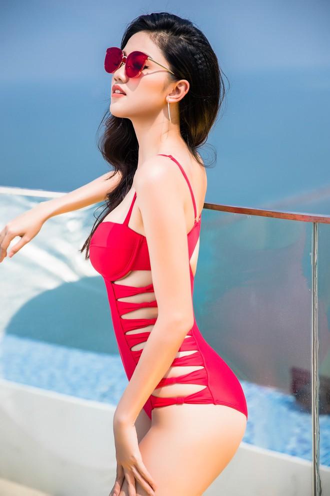 Ảnh bikini nóng bỏng của Hoa hậu Đỗ Mỹ Linh và 2 nàng Á hậu - Ảnh 11.