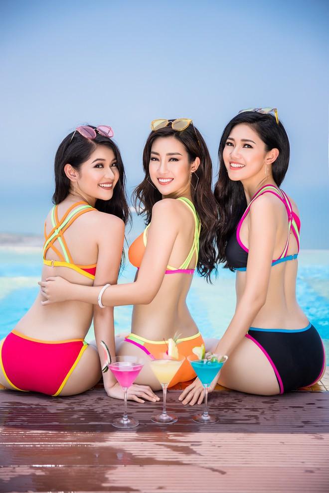 Ảnh bikini nóng bỏng của Hoa hậu Đỗ Mỹ Linh và 2 nàng Á hậu - Ảnh 2.