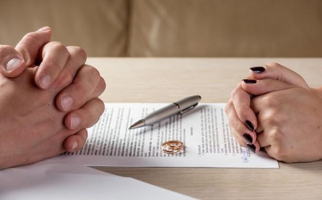 Dấu hiệu dự đoán không sớm thì muộn các cặp đôi cũng ly hôn