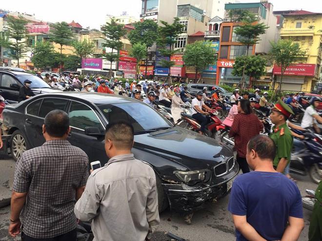 Nữ tài xế điều khiển xe BMW đâm liên hoàn trên phố Hà Nội, một người bị thương - Ảnh 5.