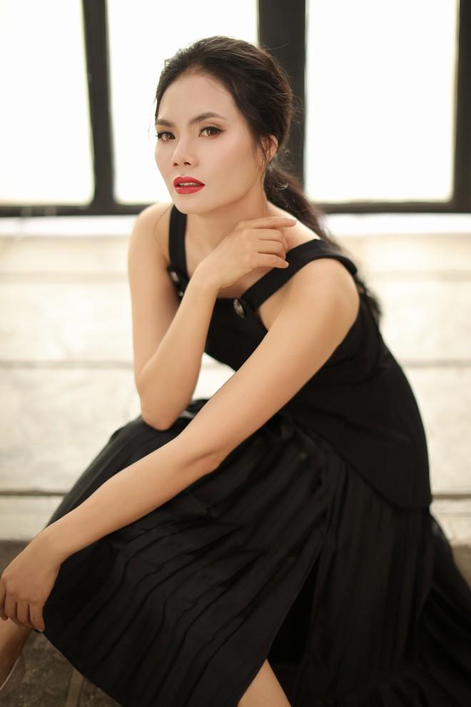 Sao Mai Lương Nguyệt Anh xinh đẹp trong bộ ảnh mới - Ảnh 3.