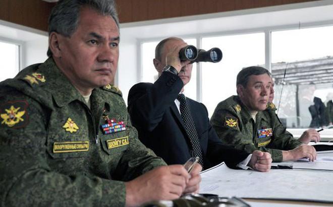 Tổng thống Putin báo động khẩn quân đội Nga lúc rạng sáng