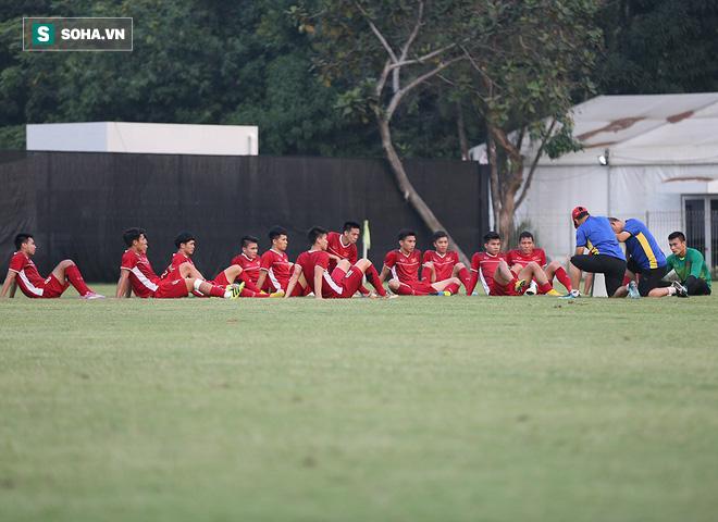 HLV Park Hang-seo đăm chiêu, làm điều bất ngờ trước giờ G - Ảnh 16.