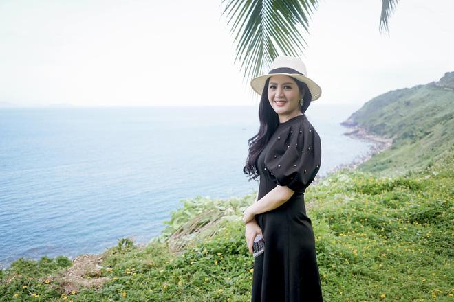 Đinh Hiền Anh được khen trẻ đẹp, hát ngọt ngào trong MV mới - Ảnh 2.
