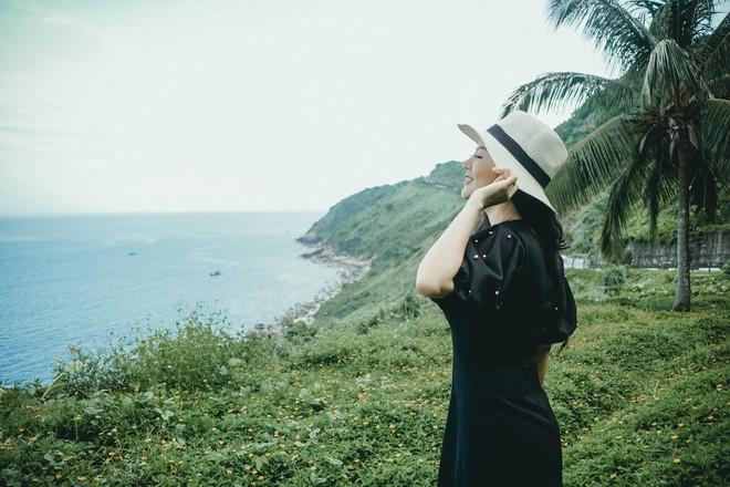 Đinh Hiền Anh được khen trẻ đẹp, hát ngọt ngào trong MV mới - Ảnh 3.