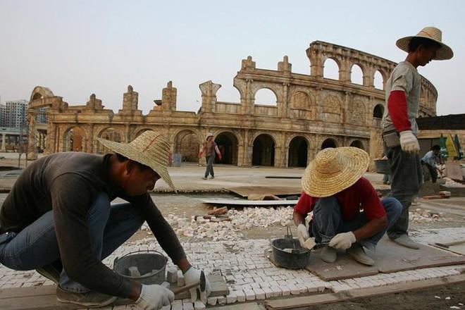 Bản sao những công trình kiến trúc nổi tiếng thế giới ở Trung Quốc - Ảnh 3.