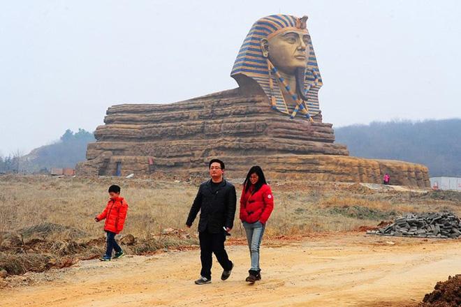 Bản sao những công trình kiến trúc nổi tiếng thế giới ở Trung Quốc - Ảnh 6.