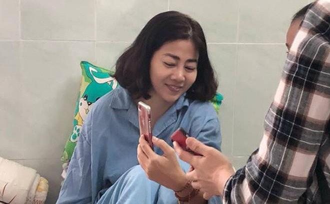 Gia Bảo, Tần Khánh bức xúc với hành động của một số lạ khi tới thăm Mai Phương