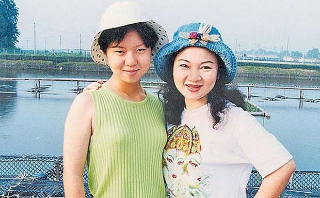 Con gái bị cưỡng bức, sát hại dã man và ác mộng 21 năm của bà mẹ minh tinh xứ Đài khi nhận thi thể không toàn vẹn của con