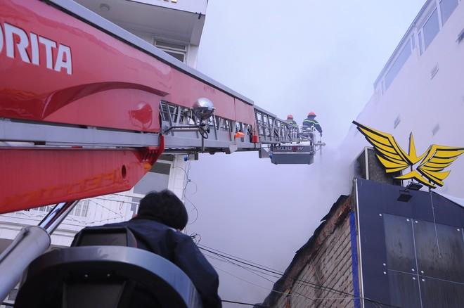 Cháy lớn tại beer club có dàn âm thanh giá 8 tỷ đồng ở trung tâm Đà Lạt - Ảnh 2.
