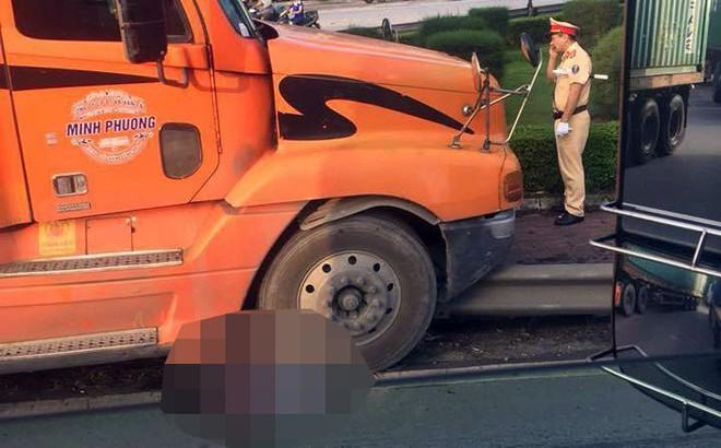 """Đôi nam nữ """"phượt thủ"""" bị xe container tông thương vong ở Hải Phòng"""