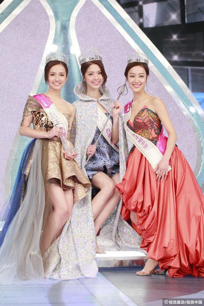 Chung kết Hoa hậu Hong Kong 2018: Người giành vương miện bị chê lép, dân tình than trời vì Á hậu 1 và 2 - Ảnh 2.
