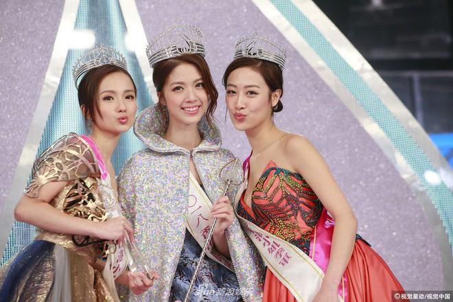 Chung kết Hoa hậu Hong Kong 2018: Người giành vương miện bị chê lép, dân tình than trời vì Á hậu 1 và 2 - Ảnh 3.