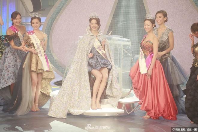 Chung kết Hoa hậu Hong Kong 2018: Người giành vương miện bị chê lép, dân tình than trời vì Á hậu 1 và 2 - Ảnh 6.