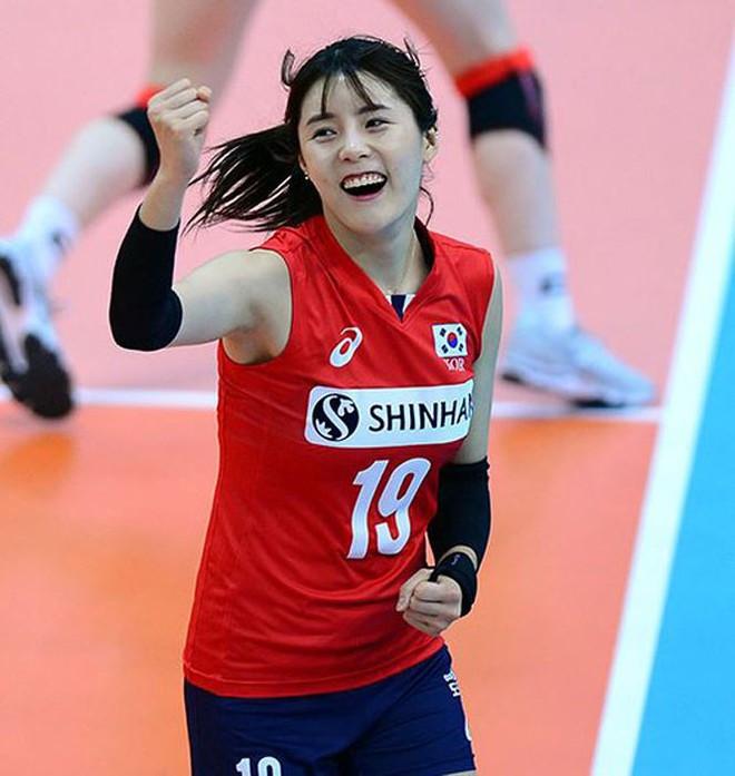 Ngắm nhan sắc của 'thiên thần' bóng chuyền Hàn Quốc - Ảnh 6.