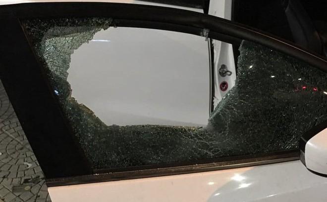 Bắt thanh niên giữa đêm cầm búa đập phá ô tô ở Đà Nẵng