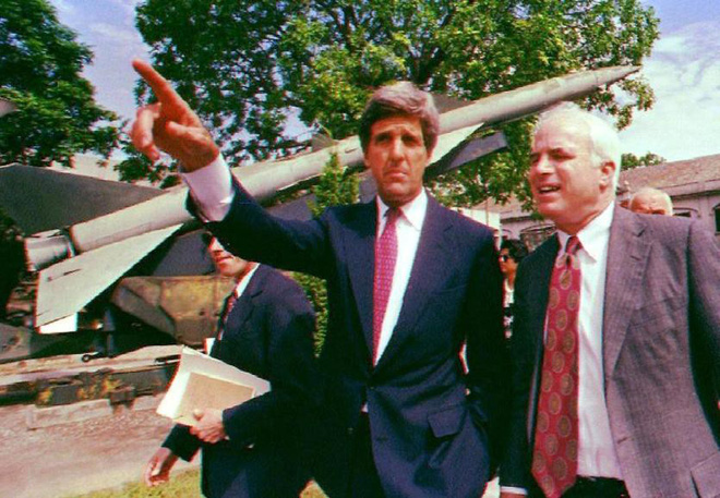 Sự thật đằng sau câu chuyện sỹ quan Liên Xô bắn hạ John McCain - Ảnh 2.